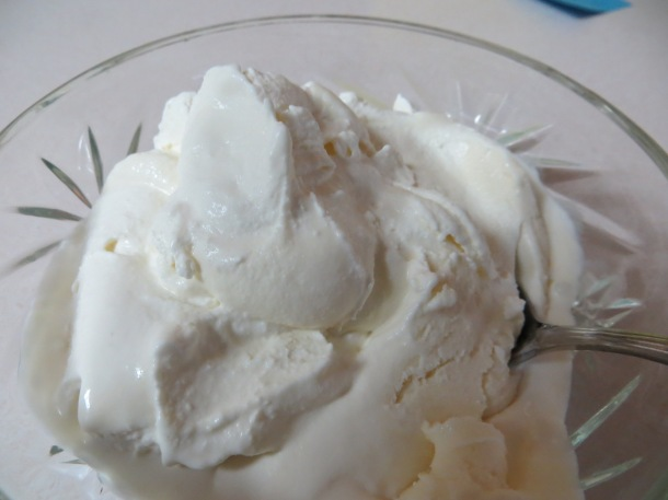 moon and ice cream 005