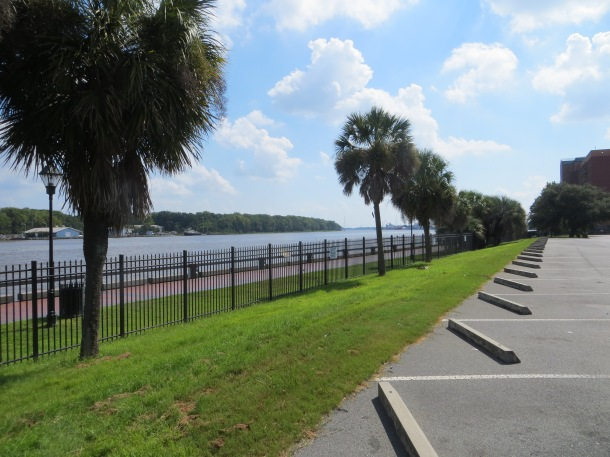 Riverfront -n Downtown Savannah