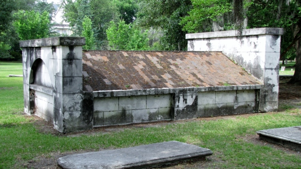 Gravesite in Colonial Cemetery