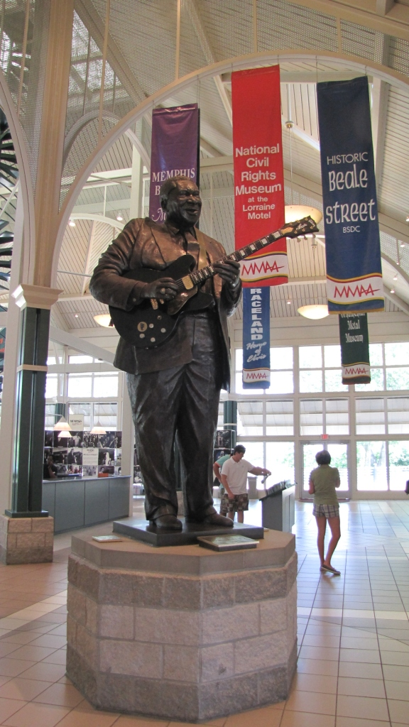 Statue of B.B. King at the Welcome Center in downtown Memphis