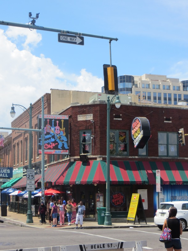 View of Rum Boogie Cafe on corner at Beale Street